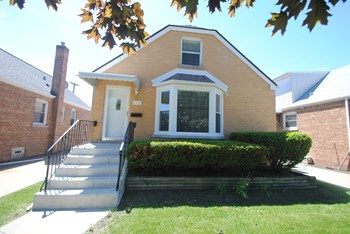 2332 N Leyden Ave 3 Beds House for Rent Photo Gallery 1