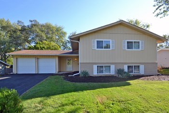 6411 Dean Dr 4 Beds House for Rent Photo Gallery 1