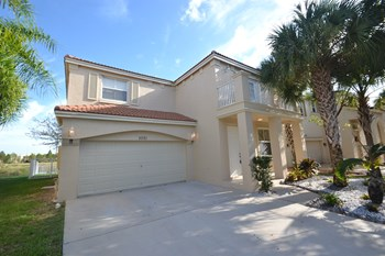 5091 SW 155th Ave 4 Beds House for Rent Photo Gallery 1