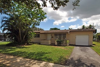 8954 SW 52nd Pl 3 Beds House for Rent Photo Gallery 1