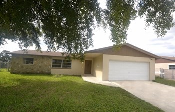 2341 NW 60th Terrace 4 Beds House for Rent Photo Gallery 1