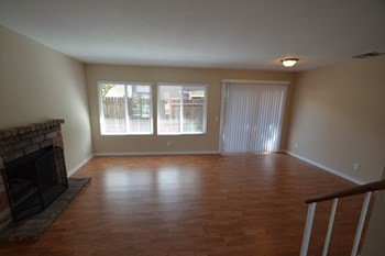 159 Avocado Ave 4 Beds House for Rent Photo Gallery 1
