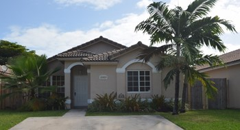 21529 SW 88th Ave 3 Beds House for Rent Photo Gallery 1