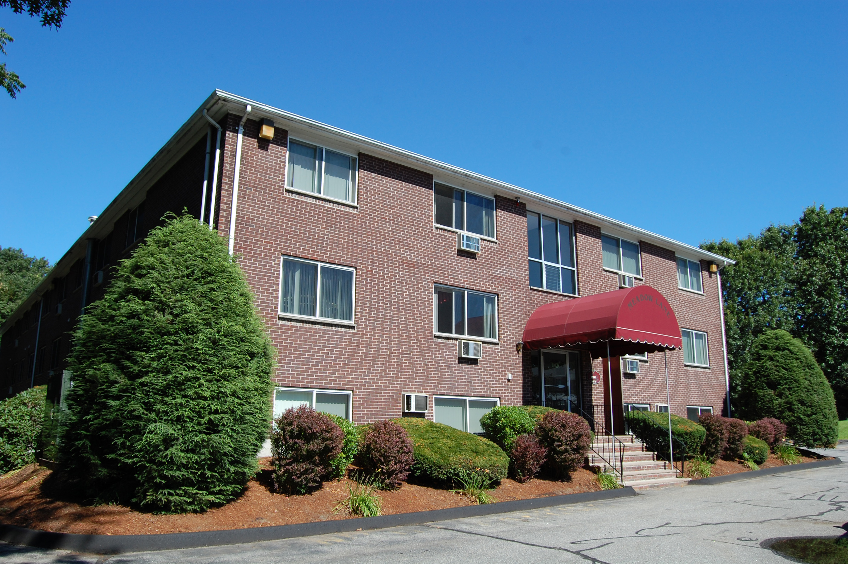 meadow lane apartments photo gallery 2 - 2 Bedroom Apartments For Rent In Lowell Ma
