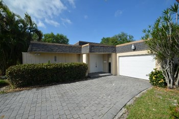 4805 Banyan Ln 2 Beds House for Rent Photo Gallery 1