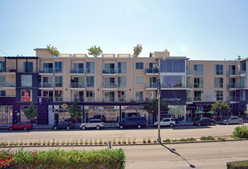 801 N. Fairfax Avenue 1-2 Beds Apartment for Rent Photo Gallery 1