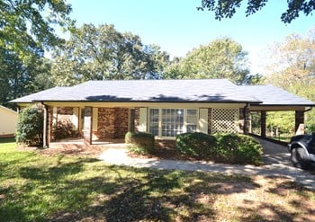 209 Wesley Dr 3 Beds House for Rent Photo Gallery 1