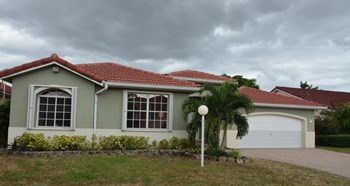 16035 SW 109th St 4 Beds House for Rent Photo Gallery 1