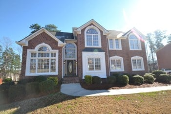 5060 Highland Lake Drive 6 Beds House for Rent Photo Gallery 1
