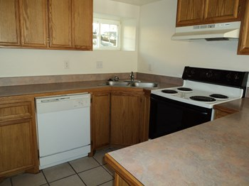 549-569 West Dale Street 2 Beds Apartment for Rent Photo Gallery 1