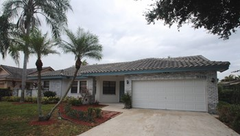 5158 NW 58th Ter 4 Beds House for Rent Photo Gallery 1