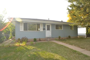 4530 Stinson Blvd 3 Beds House for Rent Photo Gallery 1