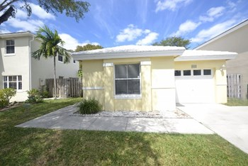 6527 Amberjack Terrace 3 Beds House for Rent Photo Gallery 1