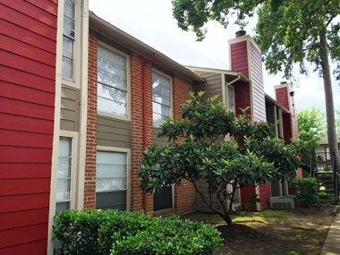 200 Hollow Tree ln 1-3 Beds Apartment for Rent Photo Gallery 1