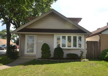 4555 N Sayre Ave 4 Beds House for Rent Photo Gallery 1