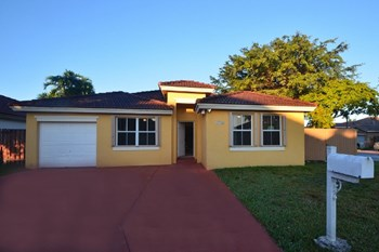 8302 Sw 162nd Court 4 Beds House for Rent Photo Gallery 1