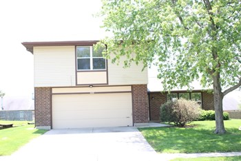 5698 Waynegate Road 3 Beds House for Rent Photo Gallery 1
