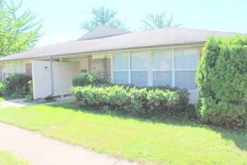 5618 Troy Villa Blvd. 2 Beds Condo for Rent Photo Gallery 1