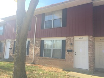 8249 Mount Carmel 2 Beds Townhouse for Rent Photo Gallery 1