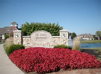 4700 Lakes Edge 1-3 Beds Apartment for Rent Photo Gallery 1