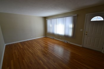 424 S 14th St 3 Beds House for Rent Photo Gallery 1