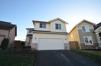 34522 16th Ave SW 4 Beds House for Rent Photo Gallery 1