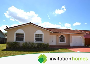 14490 SW 174th Terrace 4 Beds House for Rent Photo Gallery 1