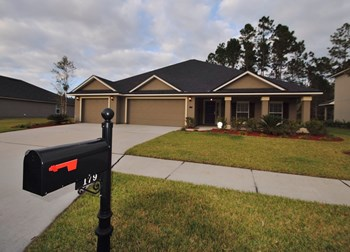 179 Scotland Yard Blvd 4 Beds House for Rent Photo Gallery 1