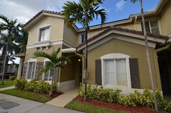 8810 W Flagler St Apt 2 3 Beds House for Rent Photo Gallery 1