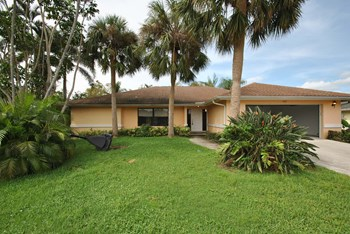 1825 Lotus Ln 3 Beds House for Rent Photo Gallery 1
