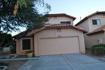 4515 E Grove Ave. 3 Beds House for Rent Photo Gallery 1