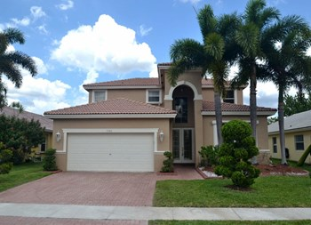 1560 Sw 194th Avenue 4 Beds House for Rent Photo Gallery 1