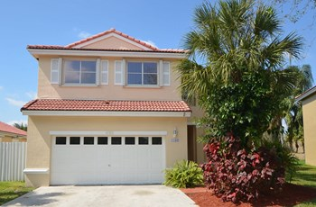4180 Sw 153rd Terrace 4 Beds House for Rent Photo Gallery 1