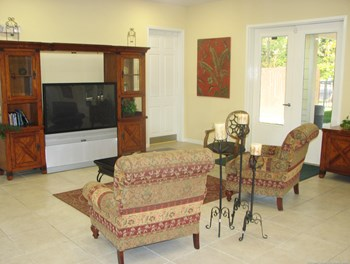 305 Summer Breeze Way 1-3 Beds Apartment for Rent Photo Gallery 1