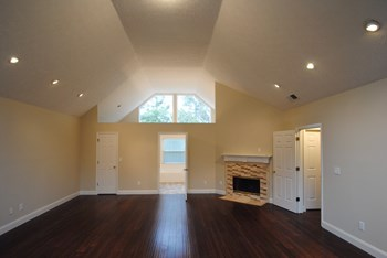 1605 Meadow Oak Dr 4 Beds House for Rent Photo Gallery 1