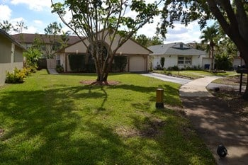 9900 Sw 59th Court 3 Beds House for Rent Photo Gallery 1