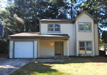 4547 Hickory Forest Drive 3 Beds House for Rent Photo Gallery 1