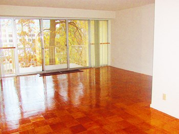 301 G Street SW Studio-3 Beds Apartment for Rent Photo Gallery 1