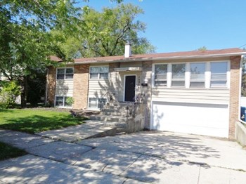 15924 Minerva Ave 4 Beds House for Rent Photo Gallery 1