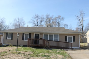 10932 Bristol Terrace 4 Beds House for Rent Photo Gallery 1