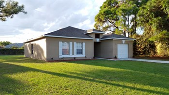 1164 Schumann Dr 4 Beds House for Rent Photo Gallery 1