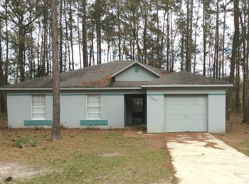 14895 SE 25th Ave, 4 Beds House for Rent Photo Gallery 1