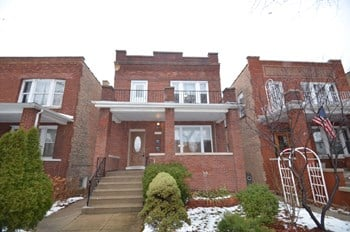 4946 W School St # ST-1 2 Beds Apartment for Rent Photo Gallery 1