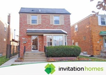 6075 N Whipple St 3 Beds House for Rent Photo Gallery 1