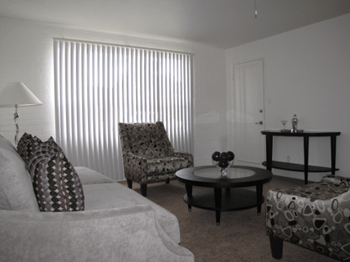 1600 W. Highland 1-2 Beds Apartment for Rent Photo Gallery 1