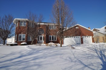 9030 Basswood Dr 4 Beds House for Rent Photo Gallery 1