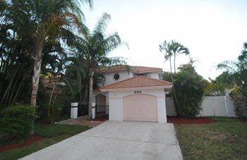 692 NW 38th Ter 3 Beds House for Rent Photo Gallery 1