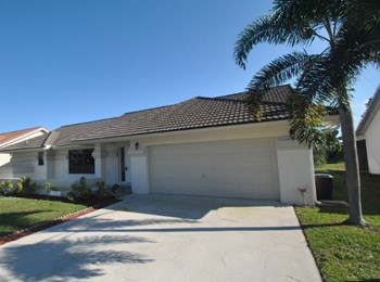 9714 Sun Pointe Dr 4 Beds House for Rent Photo Gallery 1