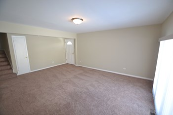 26W257 Harrison Ave 3 Beds House for Rent Photo Gallery 1