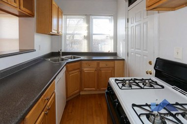 5348-56 N. Wolcott Ave 1-2 Beds Apartment for Rent Photo Gallery 1